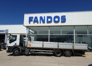 Camión IVECO,  Modelo AD260S43Y/PS con cambio manual,  1.260.725km, del año 2006, con caja fija de 8.55m.  Precio 9.500€+IVA SIN garantia.