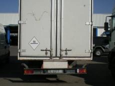 Camión usado Eurocargo marca IVECO modelo ML80E14, con caja paquetera.