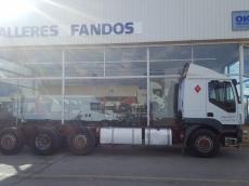 Camión Rígido de 4 ejes IVECO AT260S35YPS, 8x2, manual con intarder, del año 2005 con 1.358.521km.
