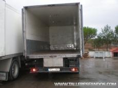 Camión ocasión marca Renault modelo 220.16, manual, con caja frigorífica.