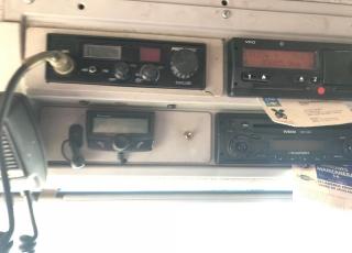 Camión IVECO,  Modelo AT440S35T/P  con cambio eurotronic con intarder,  1.033.888km, del año 2006, con caja isotermo con medidas interiores  7.5m x 2.45m x 2.4m de altura.  Remolque isotermo con puerta elevadora y pasarela para cargar el camión. El remolque tiene unas medidas interiores de  7.35m x 2.5mx x 2.59m de altura.  Precio del conjunto 18.000€+IVA SIN garantía.