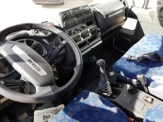 IVECO Eurocargo ML120E24K, del año 2007, con solo 40.147km, con aire acondicionado, carrozado con caja basculante de 5.85m de largo.