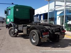Cabeza tractora MAN 19.414FLT, 4x4, manual , con cama y con 755.200km