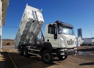 New IVECO ASTRA HD9 64.50, 6x4 of 500cv, Euro 6 with manual gearbox. With new Meiller box 16m3