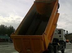 Dumper IVECO AD380T38, 6x4, manual, solo 16.000km, del año 2006