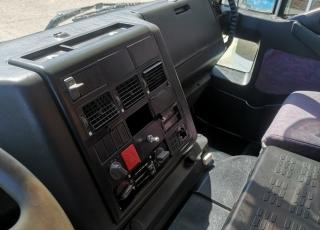 Dumper IVECO MP380E44W, 6x6, manual, año 2003, 309.591km, con caja Meiller Kipper. Precio sin impuestos.