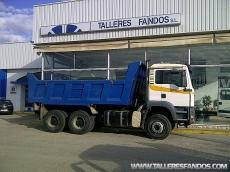 Dumper MAN TGA 33.360, 6x4, del año 2004