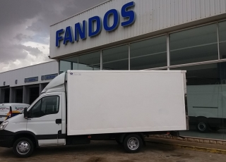 Used Van IVECO 35C15 with closed box, year 2014, with 171.950km