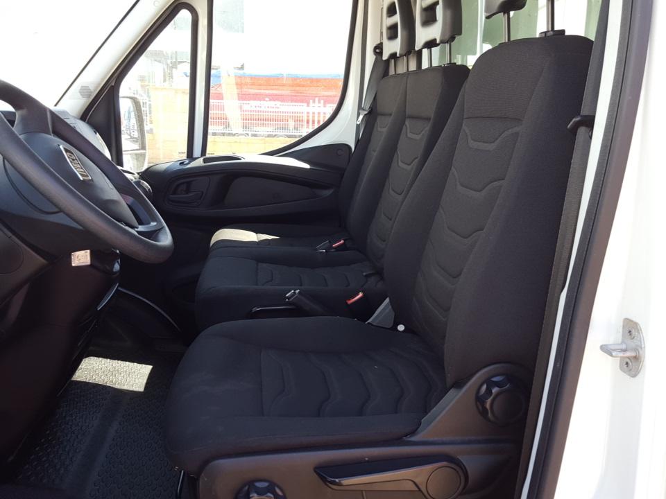Caja cerrada iveco 35c15 20m3 furgonetas y furgones usado talleres fandos venta de - Medidas interiores furgonetas ...