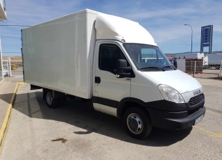 Used Van IVECO 35C15 with closed box, year 2013, with 222.600km