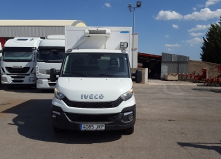 Van like new IVECO Daily 35S13, year 2015 with 38.900km.