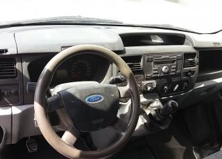 Furgoneta Ford Transit TT 350L, del año 2009 con 365.094km.