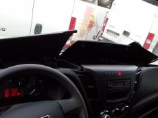 Furgón seminuevo IVECO Daily 35S13A8V de 12m3, con cambio automático, tipo Hi Matic, matriculada el 03/11/2015 con 1.300km, con el siguiente equipamiento:  - Cruise control. - Espejos retrovisores calefactados y telecomandados. - Faros Antiniebla. - Asiento de conductor con suspensión y regulable. - Climatizador automático (Aire acondicionado) - Apertura de puertas traseras a 270º. - Revestimiento suleo furgón con madera. - Mensula portaobjetos. - Radio cd con bluetooh. - Sensor de marcha atrás.