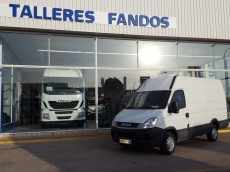 Used Van IVECO Daily 35S13V of 12m3, year 2011, with 151.834km.