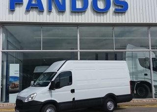 Used Van IVECO Daily 35S13V of 12m3, year 2012, with 155.658km.