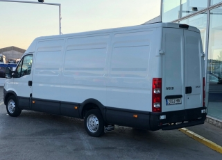 Used Van IVECO Daily 35S13V of 15m3, year 2014, with 209.633km.