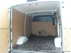 Used Van IVECO Daily 35S13V of 7m3, year 2013 with 93.700km.