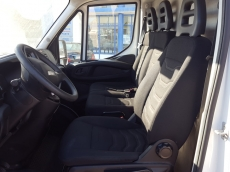 Used Van IVECO Daily 35S13V of 7m3, year 2015 with 71.109km.