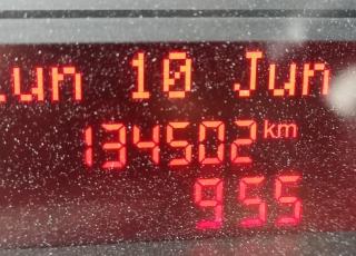 Furgón de ocasión IVECO Daily 35S13V, de 12m3, del año 2015, con 134.502km, revisada, con mantenimientos y con 12 meses de garantía de cadena cinemática.