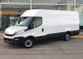 Used Van IVECO Daily 35S15V of 16m3, year 2015, with 129.529km.