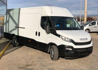 Used Van IVECO Daily 35S15V of 16m3, year 2015, with 114.504km.
