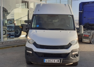 Used Van IVECO Daily 35S15V of 16m3, year 2015, with 177.645km.