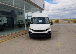 Used Van IVECO Daily 35S15V of 16m3, year 2016, with 77.518km.