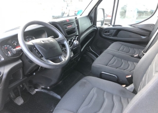 Used Van IVECO Daily 35S15V of 16m3, year 2015, with 107.177km.