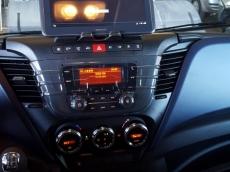 Furgón Nuevo IVECO 35S16V Euro 6 de 12m3. (Nuevo Modelo 2016)   Equipamiento: - Rueda de repuesto. - Cruise control. - Espejos retrovisores calefactados y telecomandados. - Faros antiniebla. - Asiento con suspensión y regulable. - Climatizador automático (Aire acondicionado) - Apertura porton trasero 270º - sensor de marcha atras. - Ecoswitch. - Mandos en el volante. - Iluminación led en zona carga. - Radio bluetooh. - Consola central con puertos USB y apoya tablet o movil. -Airbag de conductor. - Cierre centralizado con telemando. - Cajón debajo de los asientos de pasajeros. - Elevalunas eléctricos. - ESP 9