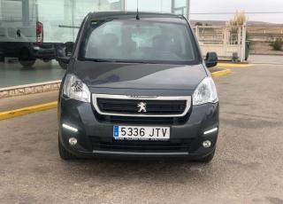 Furgoneta Peugeot Partner Tepee Active 1.6 BlueHDi 100,  del año 2016 con 71.198km. Precio sin impuestos.