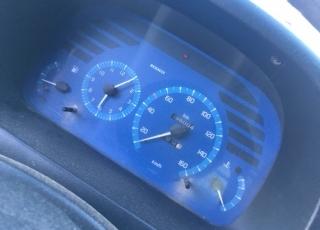 Furgoneta de ocasión Renault Master del año 1999, con rueda sencilla y caja basculante