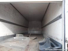 Cajas para furgonetas y camiones de diferentes medidas: 1.- 4.15m x 2.2m alto x 2.15m ancho 2.- 4.15m x 2.2m alto x 2.15m ancho 3.- 8m x 2.5m x 2.5m