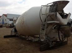 Bombo de hormigonera completo, con toma de fuerza, deposito, para instalar sobre chasis de camión. Marca Baryval de 8m3