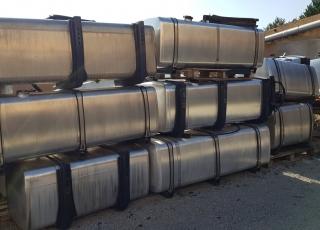 Se venden depósitos de combustible de camiones IVECO de diferentes capacidades