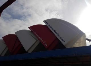 Se venden techos de camiones IVECO de diferentes colores, para cabinas AS.