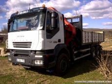 Camión usado marca IVECO modelo AD260T33, 6x4, con grúa Palfinger PK36002