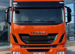 Cabeza tractora IVECO AS440S46TP,  Hi Way,  Euro6,  automática con intarder,  Del año 2015,  Con 381.650km. Neumáticos 385/55R22.5 y 315/70R22.5 Color naranja.  Precio 25.000€+IVA, con tractora reacondicionada y con 12 meses de garantía de cadena cinemática.