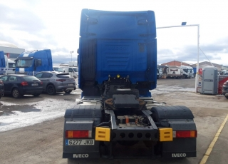 Cabeza tractora IVECO AS440S46TP,  Hi Way,  Euro6,  Automática con intarder,  Del año 2015,  Con 445.007km. Neumáticos 315/60R22.5  Precio 23.500€+IVA, con tractora reacondicionada y con 12 meses de garantía de cadena cinemática..