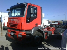 Cabeza tractora ocasión marca IVECO modelo Stralis AD440S40TP, manual.