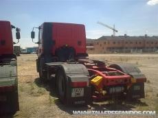 Cabeza tractora usada marca IVECO modelo Stralis AD440S40TP, manual con intader.