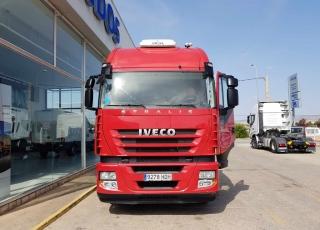 Cabeza tractora IVECO AS440S42TP automática con intarder, del año 2011, con 851.942km, en muy buenas condiciones.