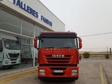Cabeza tractora IVECO AS440S42TP, con motor ecostralis, automática con intarder, del año 2012, con 496.626km, con 12 meses de garantía de cadena cinemática. Con techo bajo.
