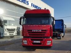 Cabeza tractora IVECO AS440S42TP, con motor ecostralis, automática con intarder, del año 2012, con 389.643km, con 12 meses de garantía de cadena cinemática.