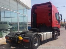 Cabeza tractora IVECO AS440S42TP, automática con intarder, del año 2011, con 417.750km, con 12 meses de garantía de cadena cinemática.
