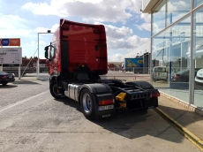 Tractor head IVECO AS440S42TP, Hi Way, automatic with retarder, year 2014, with 448.366km.