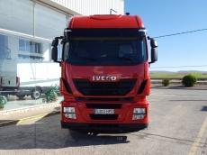 Cabeza tractora IVECO AS440S42TP, Hi Way, automática con intarder, del año 2013, con 487.877km, con 12 meses de garantía de cadena cinemática.