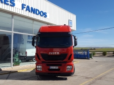 Cabeza tractora IVECO AS440S42TP, Hi Way, automática con intarder, del año 2013, con 535.524km, con garantía de cadena cinemática.