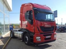Cabeza tractora IVECO AS440S42TP, Hi Way, automática con intarder, del año 2013, con 381.229km, con 12 meses de garantía de cadena cinemática.