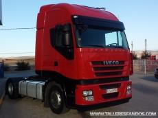 Cabeza tractora IVECO AS440S42TP, automática con intarder, del año 2011, con 469.056km, con 12 meses de garantía de cadena cinemática.