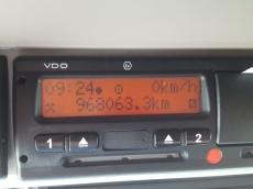 Cabeza tractora de ocasión IVECO STRALIS AS440S43TP, manual con intarder, 968.063km del año 2007.